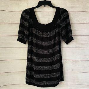 Sweater Project Black & Metallic Silver Blouse. S